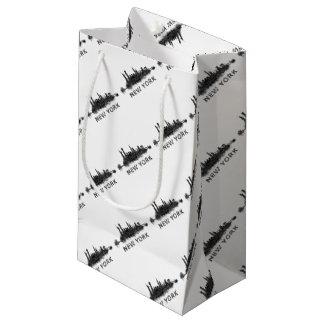 New York Dark-White Skyline v07 Small Gift Bag