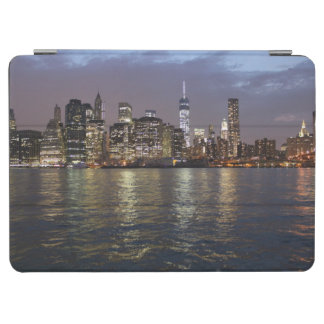 New York skyline at night iPad Air Cover
