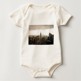 New York Skyline - dusk - grey Baby Bodysuit