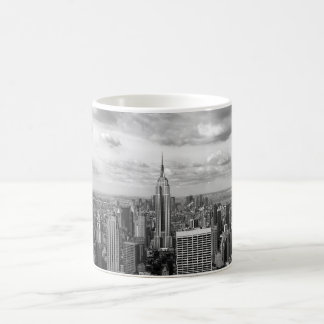New York skyline in black and white Coffee Mug