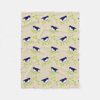 Nifty fifties - two blue birds fleece throw