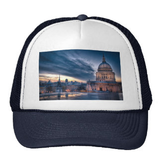 Night falls over St. Paul's Cathedral, London Cap