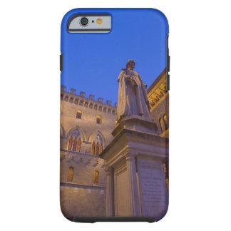 Noche en la plaza Salimbeni, Siena, Italia. 2 Tough iPhone 6 Case