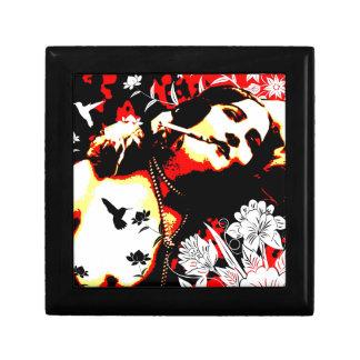 Nostalgic Seduction - Mischievous Hummingbird Gift Box