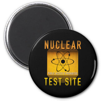 Nuclear Test Site Retro Atomic Age Grunge : 6 Cm Round Magnet