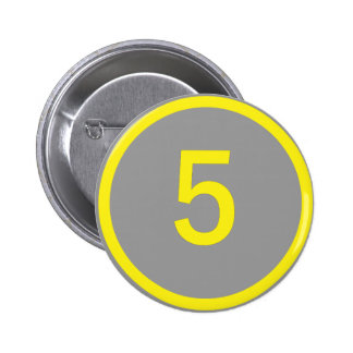 number 5 in a circle 6 cm round badge