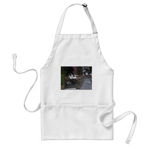 Number Of Pigeons On The Table For Food Aprons