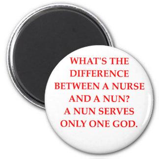 nurse and nun 6 cm round magnet