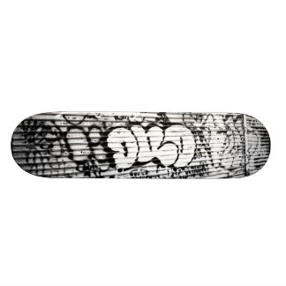 'NYC Graffiti' Skateboard