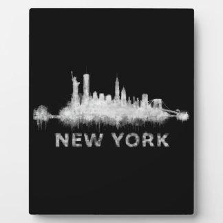 NYC New York black-White Skyline cityscape v01 Plaque