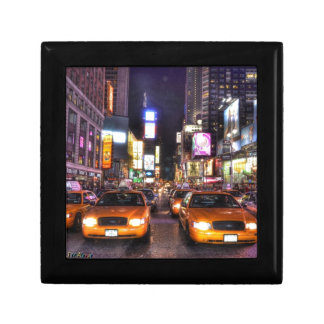 NYC SMALL SQUARE GIFT BOX