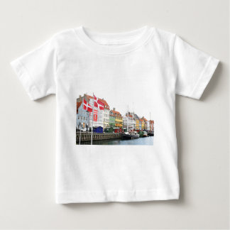 Nyhavn canal in Copenhagen, Danmark Baby T-Shirt