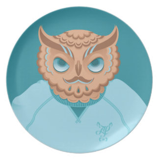 O is for Owl in an Oversized sweatshirt Dinner Plate