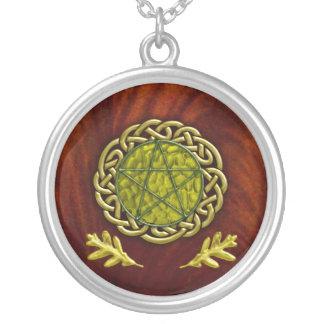 oak leaf pentacle round pendant necklace
