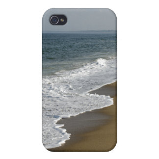 Ocean Waves on the Beach Cover For iPhone 4