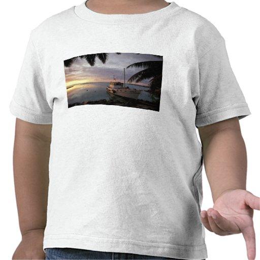 Oceania, Polynesia, Cook Islands, Aitutaki, T Shirt