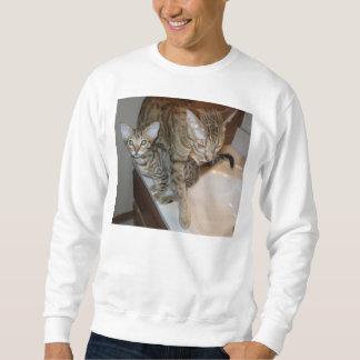 ocicat Tawny_kitten_with_cinnamon_mother Sweatshirt