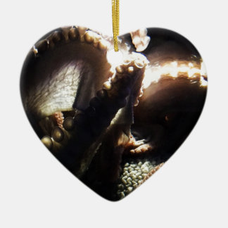 Octopus Newport Aquarium Ceramic Heart Decoration