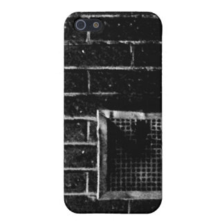 Of the wall iPhone 5 cases