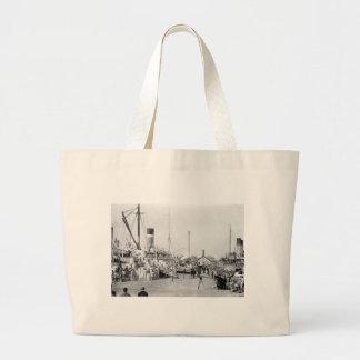 Off to Cuba: 1913 Jumbo Tote Bag