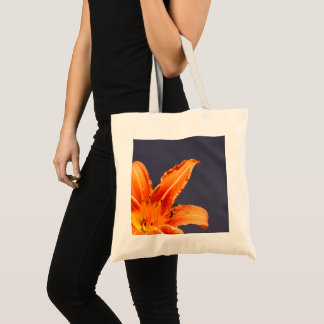 Offset Day Lily Budget Tote Bag