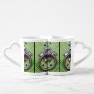 Old door coffee mug set