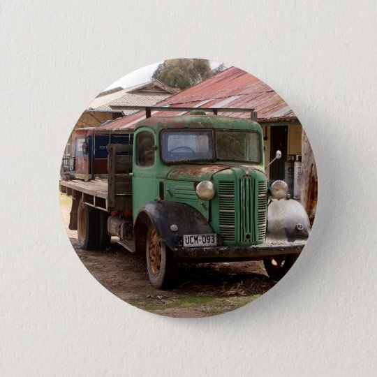 Old green truck 6 cm round badge