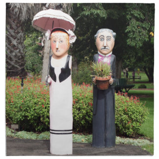 Old married couple sculptures napkin