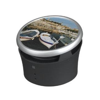 Old port bluetooth speaker