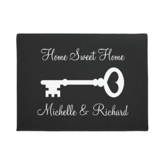 Old vintage key door mat with personalized name