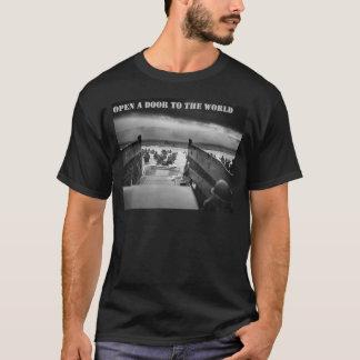 open door to the world has T-Shirt