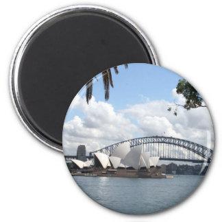opera bridge syd 6 cm round magnet