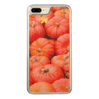 Orange pumpkins at market, Germany Carved iPhone 8 Plus/7 Plus Case