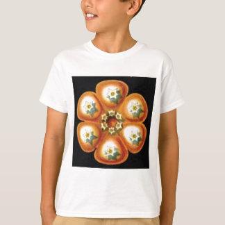 orange star flower pattern T-Shirt