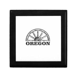 oregon trail simple wheel gift box