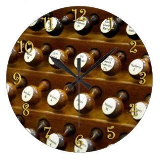 Organ stops wall clock
