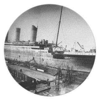 original titanic picture under construction party plates