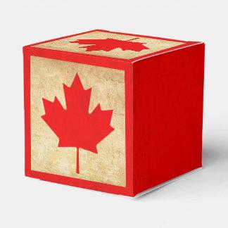 Original Vintage Patriotic National Flag of CANADA Favour Box