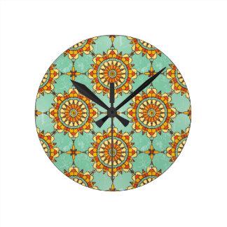 Ornamental pattern round clock
