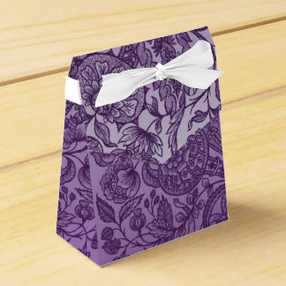 ornaments purple favour box