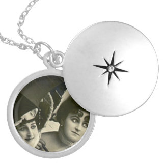 Orphan's Necklace Antique bff friends sisters cous
