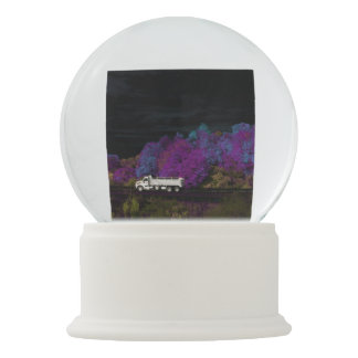oscar leaves the party snow globe