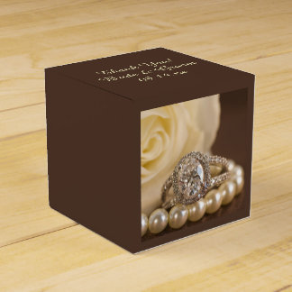 Oval Diamond Ring and White Rose Wedding Party Favour Boxes