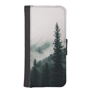 Over the Mountains and trough the Woods iPhone SE/5/5s Wallet Case