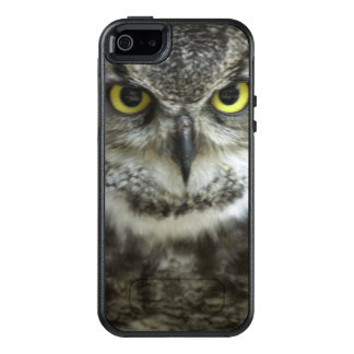 Owl Close Up OtterBox iPhone 5/5s/SE Case