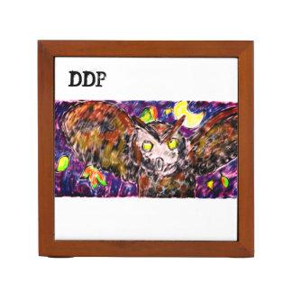 Owl flying art desk organiser