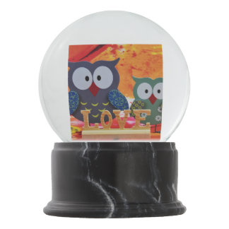Owl love snow globe