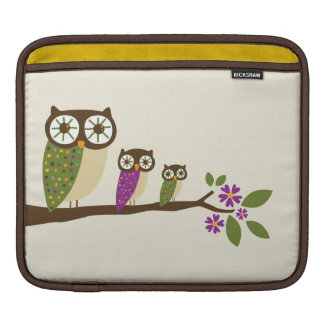 Owls on a branch cover sleeve for iPads