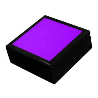 P08 Dramatically Expressive Purple Color Gift Box