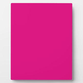 P22 Love That Magenta! Pink Color Plaque